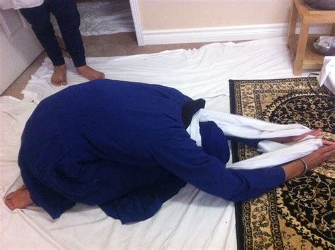 a bowing in respect to shri guru granth sahib why and how do sikhs bow before sri guru granth sahib ji