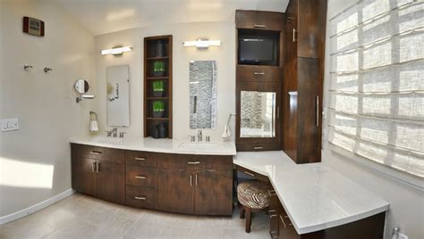 Master bathroom double sinks and make up vanity contemporary bathroom los angeles by l2