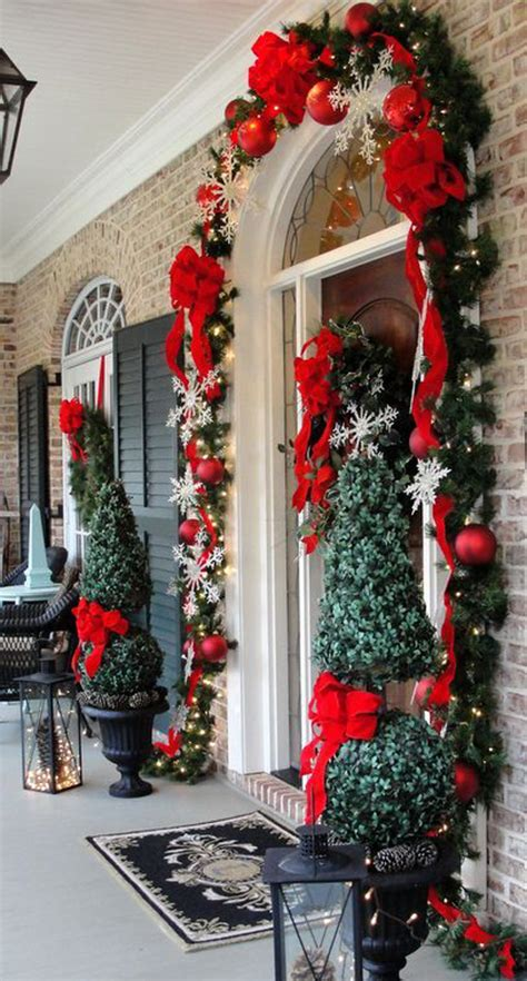 decorazioni porta natale idee natale 2014 come decorare la porta designbuzz it