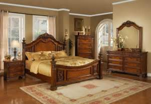 gold bedroom furniture sets 3pc bedroom set with brown cherry finish and gold accent