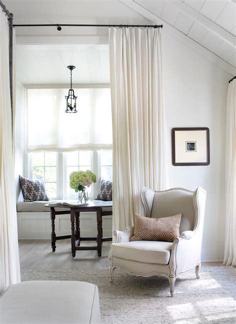 canapé de repos salon gris cocooning