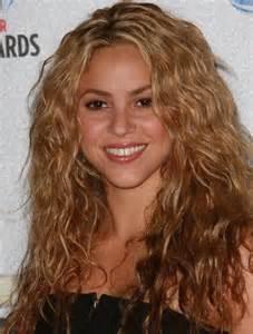 shakira hair color shakira honey color brown light hair