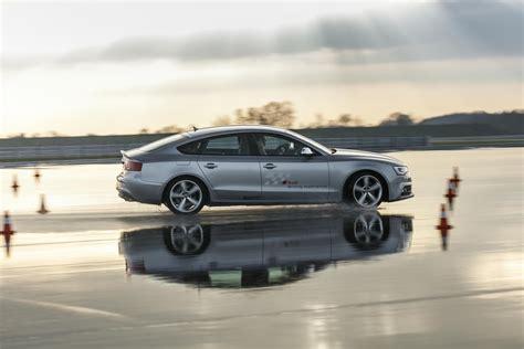 Fahrtraining Audi by Gib Gas Mit Dem Audi Q7 Auf Der Teststrecke Oh