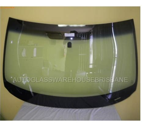 subaru forester windscreen subaru forester wagon 3 08 to current 5dr wagon front