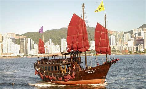 junk boat hong kong junk boat party at quarry bay in hong kong thrillophilia