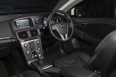 Volvo V40 Interior Lighting by Newly Crowned Miss World And Miss Sa Wins A Volvo V40 T3