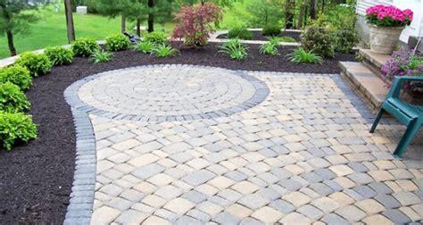 Backyard Firepit Ideas alei elegante cu pavele de piatra naturala