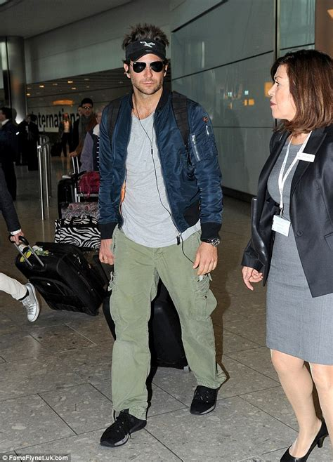 Jaket Bomber Croope Attention bradley cooper sports an spikey hairstyle at