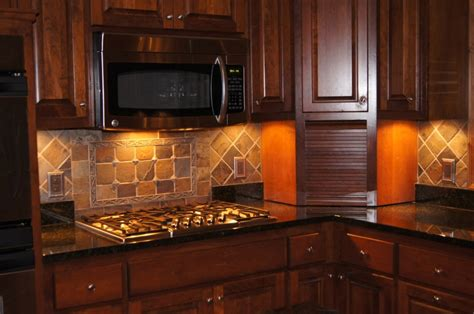 decorative backsplash tile contractor