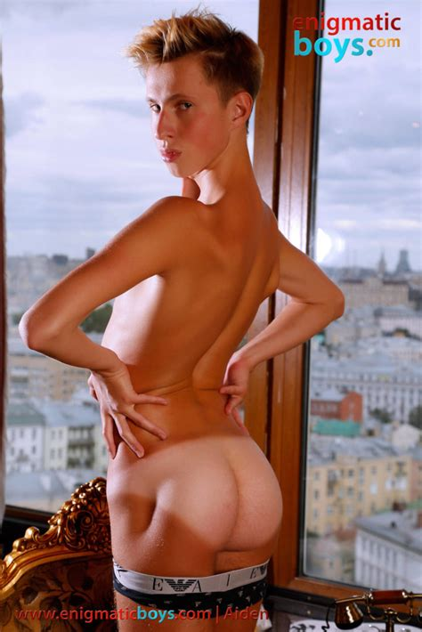 Enigmaticboys Blond Aiden Is Tall And Tanned Andysbestsites