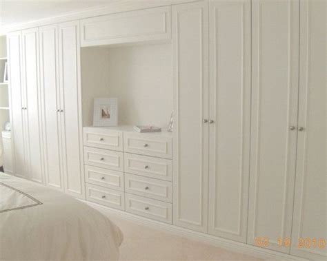 Bedroom Wall Closet by Basement Bedrooms Pictures And Design On