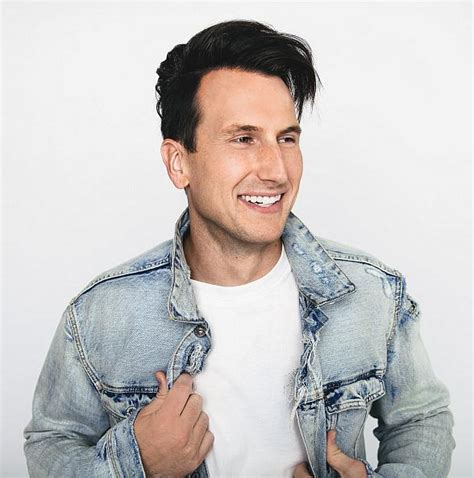 russell dickerson fan club russell dickerson to perform at flamingo las vegas go pool