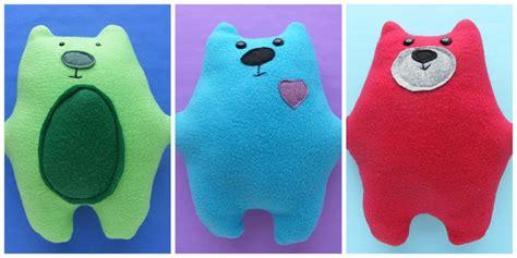 Warren the Charity Bear   a free teddy bear pattern