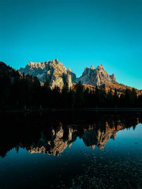 wallpaper mountains reflections lake blue sky