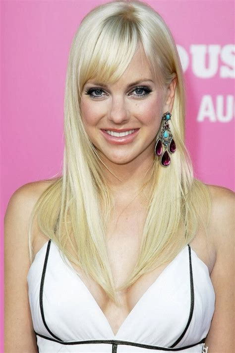 female celebrities with thin hair anna faris anna faris plastic surgery