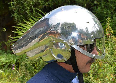 Motorradhelm Deko by How To Build An Art Deco Motorcycle Helmet