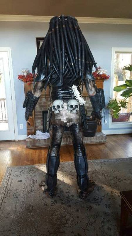 cosplayer creates predator costume
