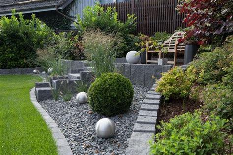 steingarten modern anlegen fixias steingarten anlegen mit rindenmulch 172209