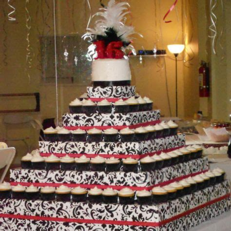 Pin Quinceanera Table Decorations Cake Quinceanera Sweet 16 On Quinceanera Dresses