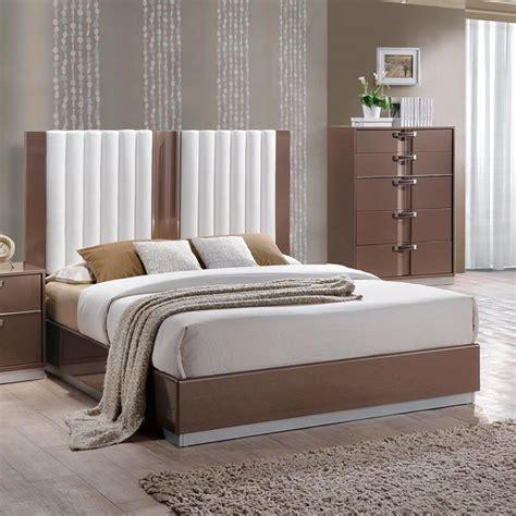 light brown bedroom set global furniture brooklyn 2 piece platform bedroom set in