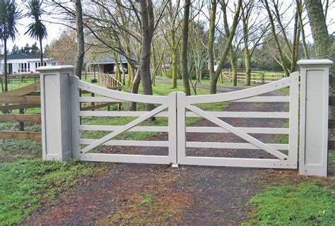 country fence styles clevedon xl wooden gates fences driveway gates wooden