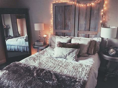 33 Ultra Cozy Bedroom Decorating Ideas For Winter Warmth Bedroom Room Design Ideas