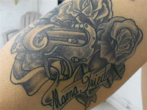 mama tried tattoo roses and derringer gun reads tried by painforbeauty
