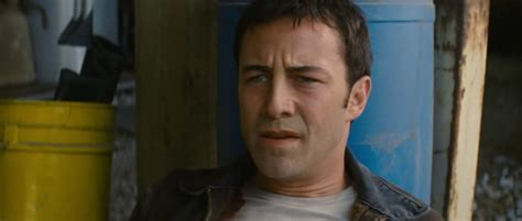 film looper adalah looper 2012 review another joseph gordon levitt movie