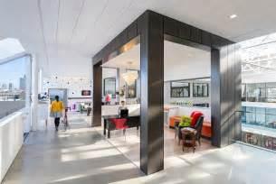 Knoll Desks Inside Airbnb S New San Francisco Headquarters Office