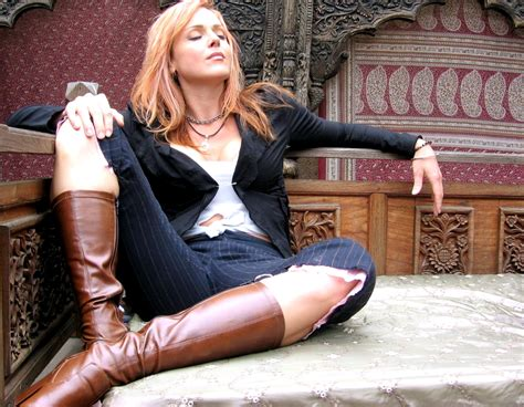 storm large storm large announces seattle return but this time to