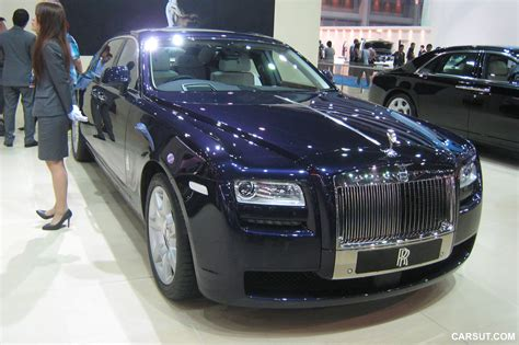 roll royce blue 2012 bangkok motor show rolls royce ghost and phantom