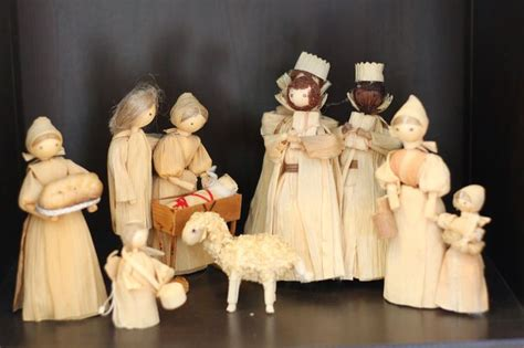 corn husk doll nativity set 79 best corn husk nativities and holy family images on