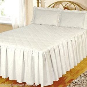 White Quilted Bedspread King by White Fitted Cotton Quilted Bedspread Pillowsham