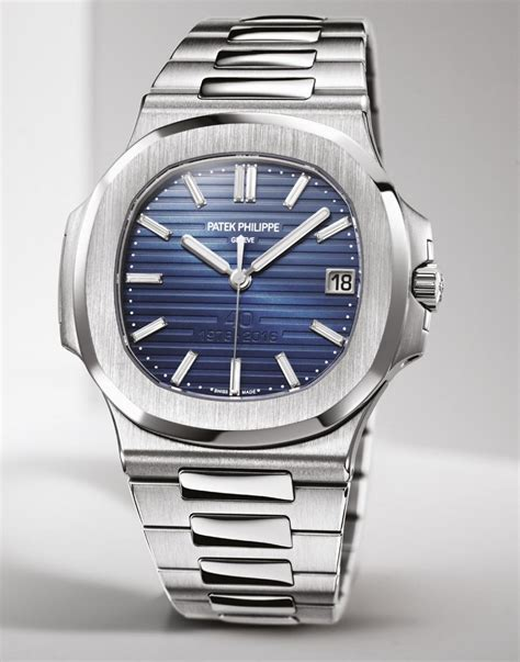 Jam Replika Patek Phillipe Nautilus Jumbo 5711 Black Swiss Eta 1 1 1 the platinum patek philippe 5711 1p nautilus 40th