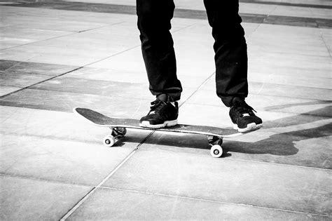 how to ride a skateboard step by step for beginners