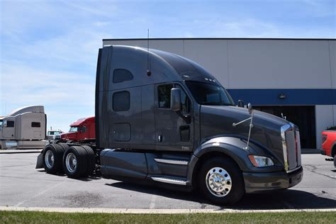 super clean 2012 kenworth t700 truck for sale