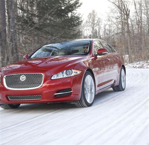 Auto Bild Allrad H Rtetest Im Schnee by Winter Auto Der Allrad Jaguar Jagt Auf Schnee Und Eis