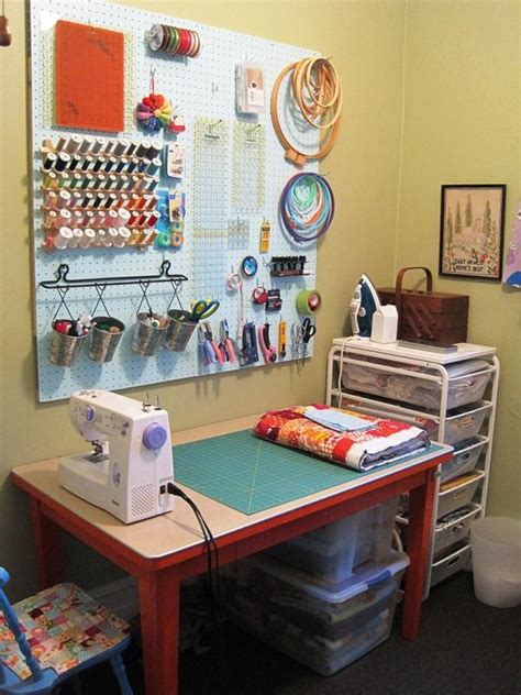 sewing room ideas for small spaces best 25 small sewing rooms ideas on small sewing space sewing office room and