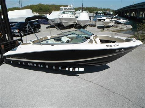 Bowrider Boats With Cabin by 2010 Regal 2200 Bowrider Crate S Lake Country Boats