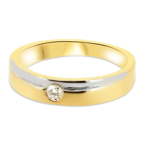 18ct yellow gold and white gold 4mm band with