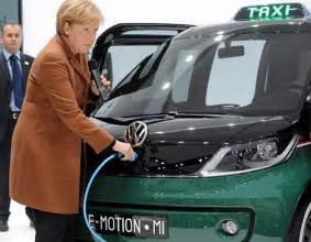 Electric Car Pedestrian Accidents Silent Electric Cars To Get Wars Sound Effects To