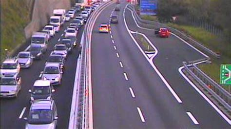 autostrada dei fiori traffico tempo reale viabilit 224 da bollino rosso per il ponte 25 aprile il