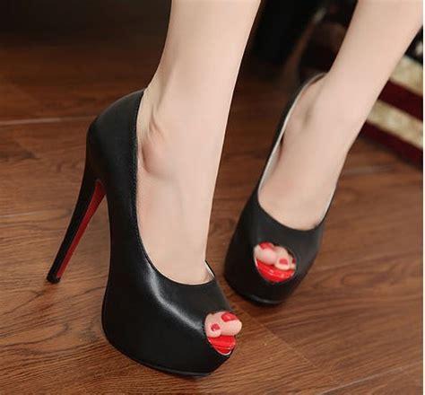 Sepatu Bodirdarningquilting Open Toe kamus fashion apa bedanya sepatu open toe dan sepatu peep toe money id