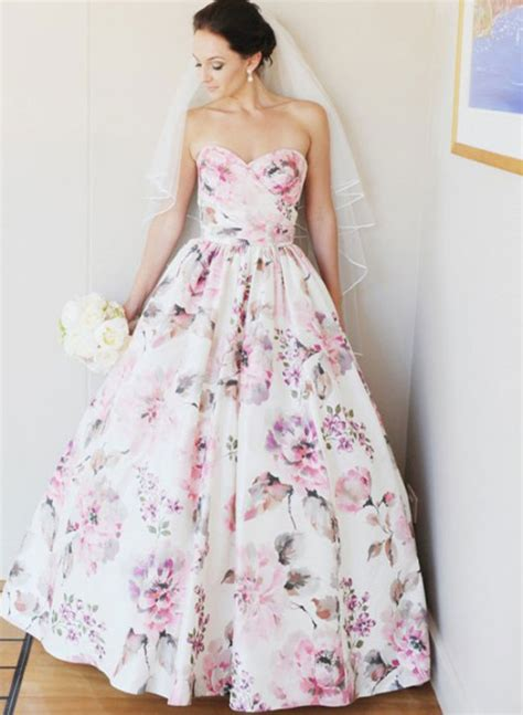7 Lovely Alternatives To Bridesmaids Dresses by 7 Alternative Wedding Dress Colors Inspired By This