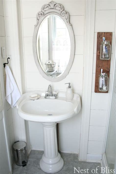 Simple Small Bathroom Makeovers by 78 Best Ideas About Budget Bathroom Makeovers On