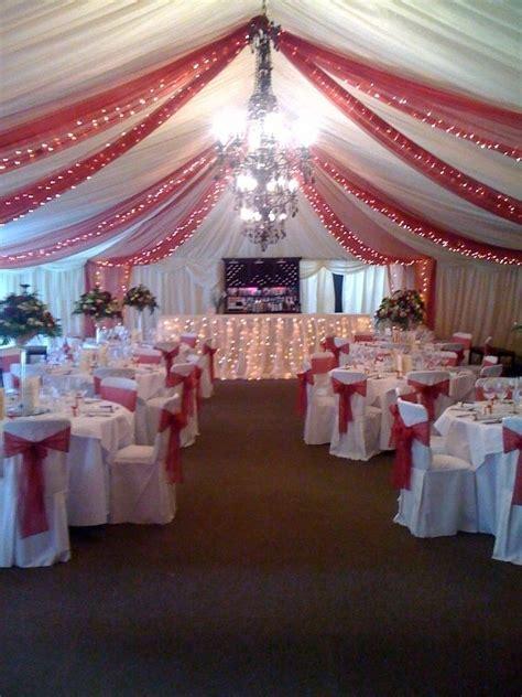 Christmas wedding decor! I love the tulle decor on the