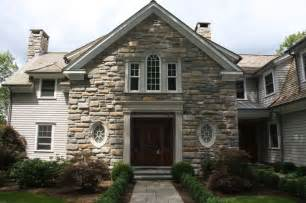 17 best ideas about veneer exterior on faux rock siding bricks and exterior