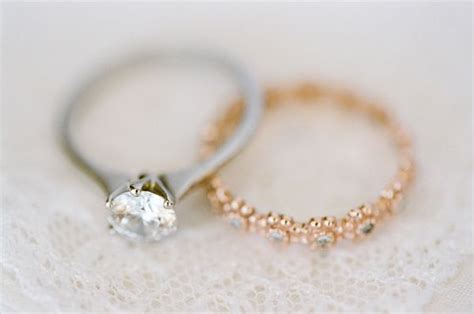 what are the trends in wedding bands and engagement