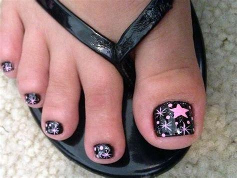 whays the latest in toe nail polish best 25 toe polish ideas on pinterest