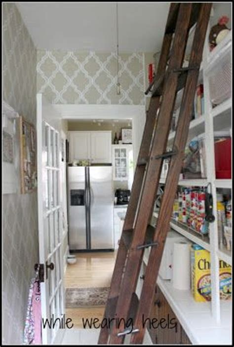 Rolling Pantry Ladder by Diy Library Ladder By While Wearing Heels Diy
